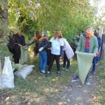 Субботник в рамках добровольческого экопроекта прошел в Ленинске-Кузнецком